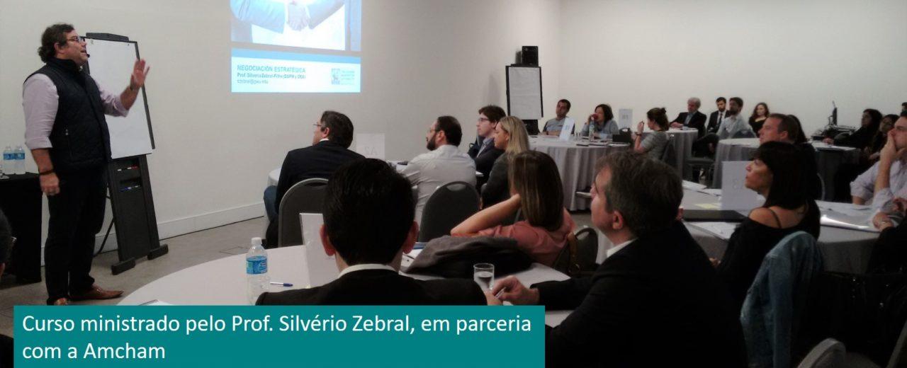 Curso ministrado pelo Prof. Silvério Zebral, em parceria com a Amcham